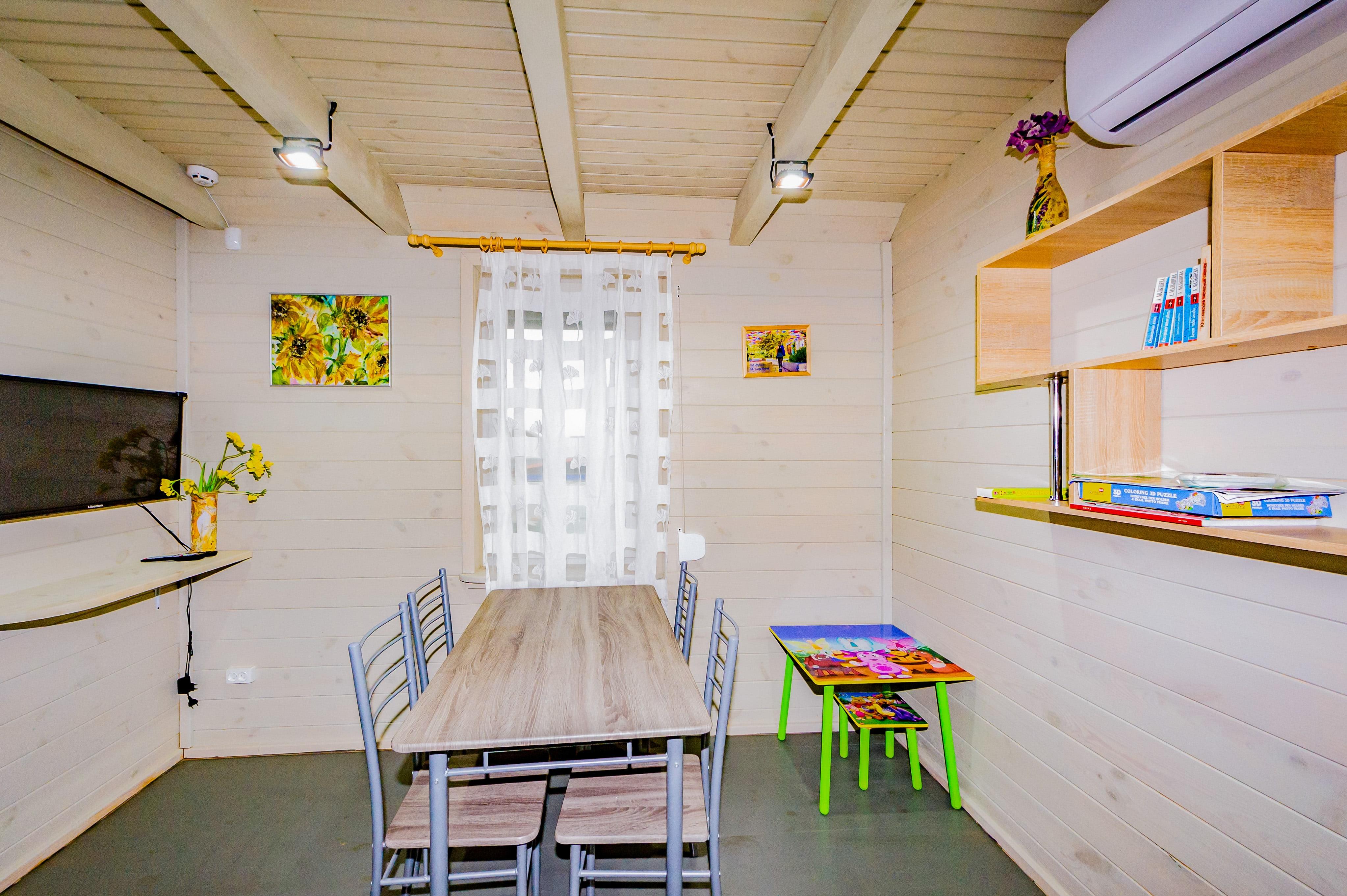 Жилье у моря в Черноморске. кухня дома мини-люкс на эко-даче